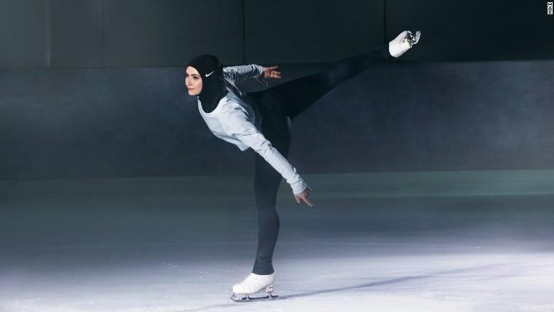 La patinadora Zahra Lari ayudo a desarrollar la Nike Pro Hijab.
