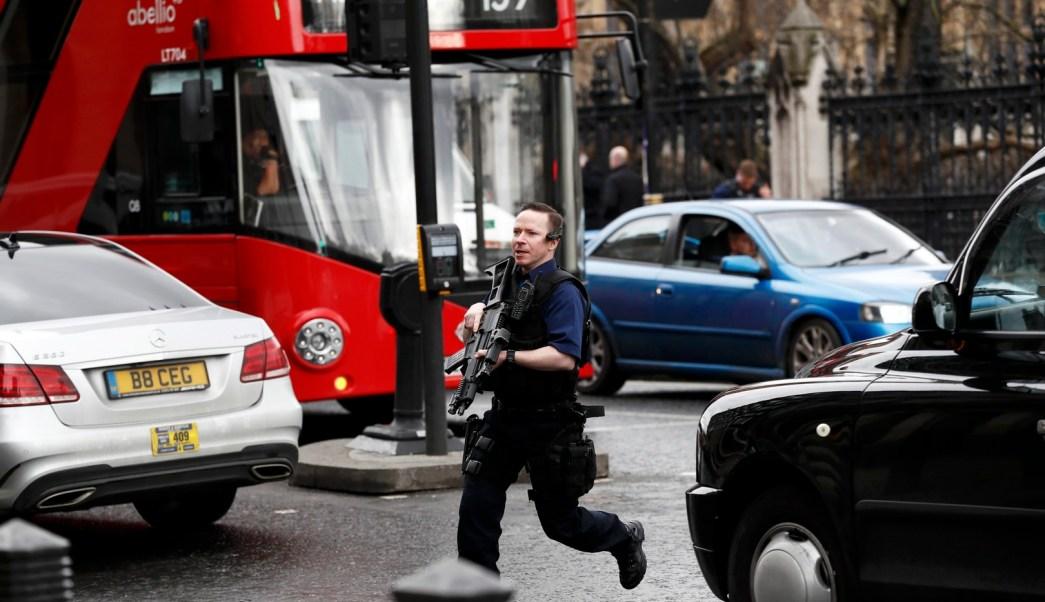 Incidente en el Parlamento británico es 'terrorismo', dice la Policía . (Reuters)