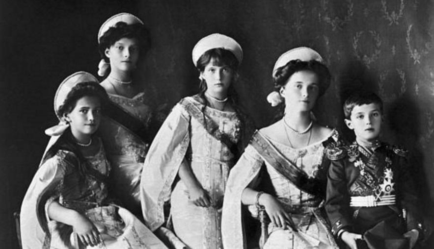 Los hijos del último zar ruso: Tatiana, Marie, Anastasia, Olga, y Czarevitch (Getty Images)