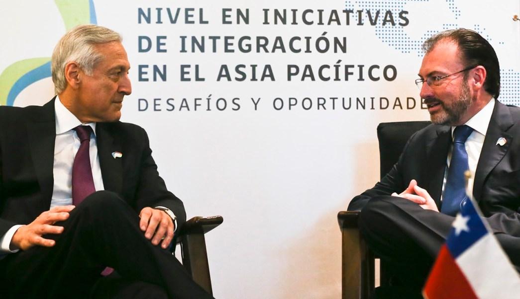 Luis Videgara, canciller mexicano, en reunión con Heraldo Muñoz, canciller chileno. (AP)