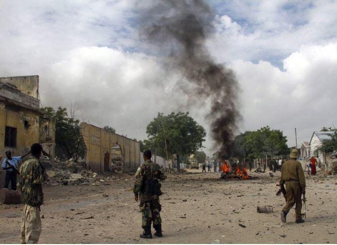 Un suicida hizo estallar el coche bomba. (Twiiter@SagittarioCase)