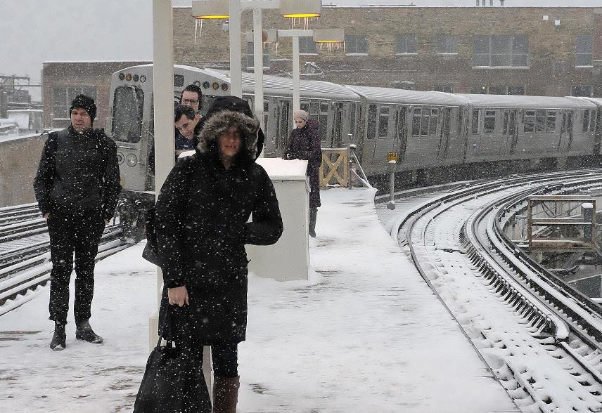 Fuerte tormenta de nieve y granizo azota a noreste de EEUU