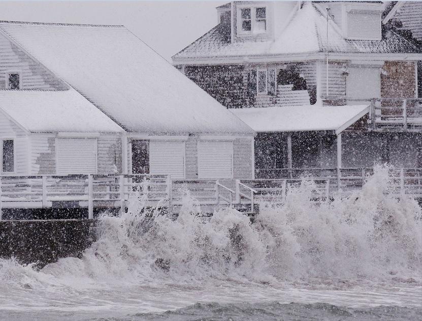 """Nueva York y Washington escaparon de lo peor de la tormenta """"Stella""""."""