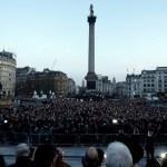 Rinden homenaje en la Plaza Trafalgar de Londres a víctimas del atentado (AP)
