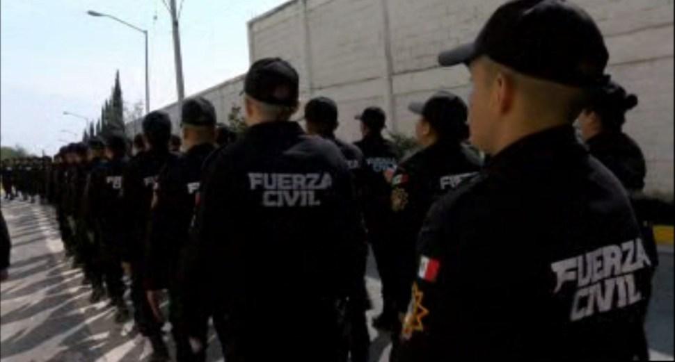 Miembros de la Fuerza Civil de Monterrey participan en la ceremonia de graduación de un curso que dio el Gobierno de Estados Unidos (Noticieros Televisa)