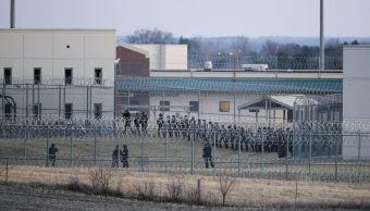 Los disturbios ocurridos al interior del Instituto Correccional Tecumseh State involucraron a unos 40 reclusos. (AP)