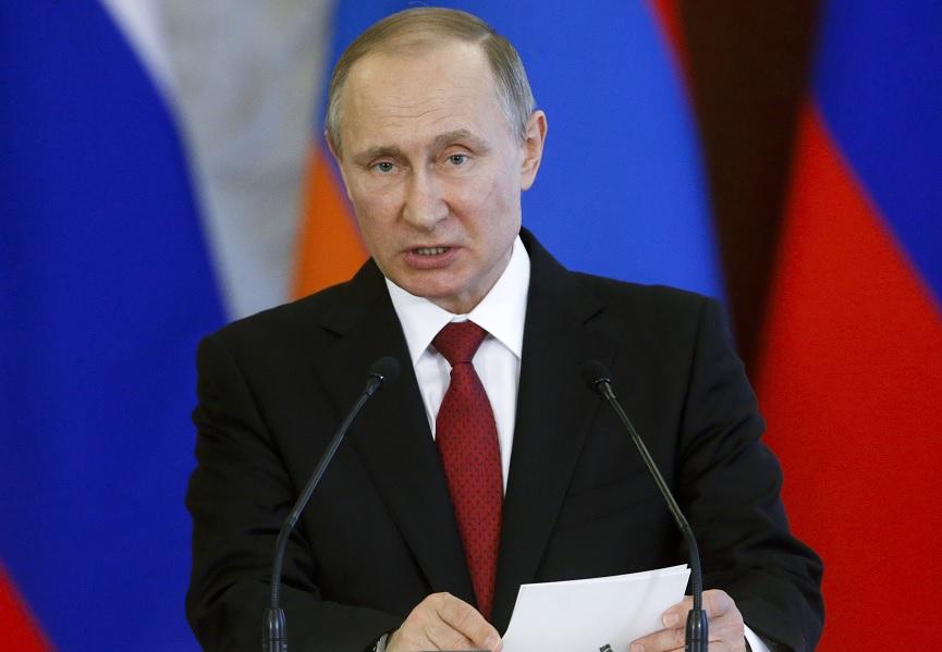 El presidente ruso Vladimir Putin habla después de mantener conversaciones con el mandatario armenio, Serge Sarkisian, en el Kremlin en Moscú, Rusia (Reuters)