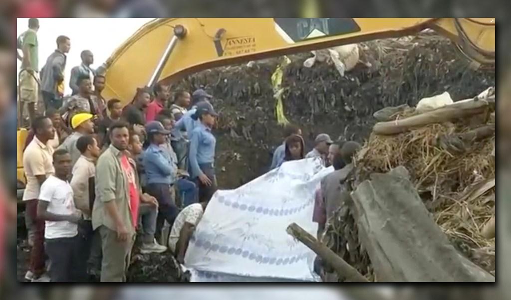 Remueven escombros en basurero de Etiopía tras derrumbe (Reuters)