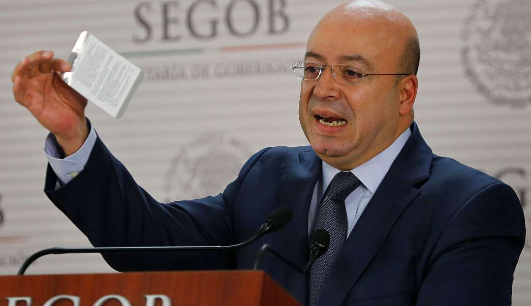 El comisionado Nacional de Seguridad, Renato Sales, planteó un plan de trabajo para las prisiones del país. (AP, archivo)