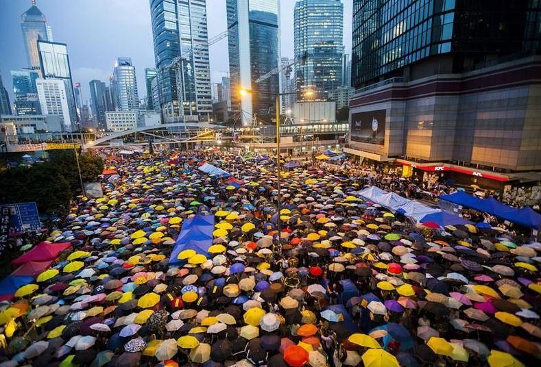 Manifestaciones pacíficas llamadas la 'Revolución de los Paraguas' en 2014. (Redes sociales)