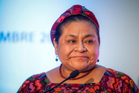 Rigoberta Menchú señaló que todos los ciudadanos deben involucrase en el tema migratorio, ya que compete a los diversos sectores participar en beneficio de este grupo poblacional (Getty Images/Archivo)