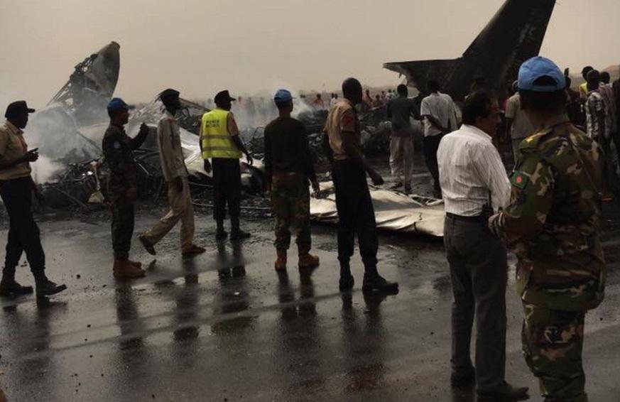Un avión de pasajeros se estrelló e incendió en el Aeropuerto de Wau, en el noroeste de Sudán del Sur (Twitter @ceoafrica)