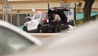 Un tiroteo en el estacionamiento de la Estación del Sheriff del Condado de Los Ángeles en Temple City, Estados Unidos (AP)