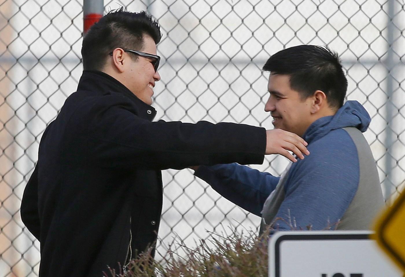 Tras su liberación, Daniel Ramírez fue recibido por simpatizantes.
