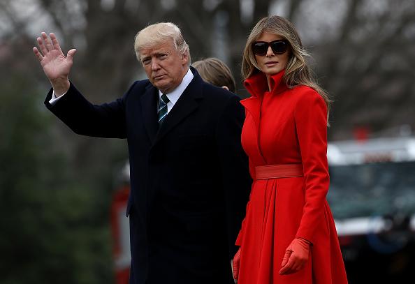El presidente estadounidense Donald Trump y la Primera Dama Melania Trump durante su partida a la Casa Blanca (Getty Images/Archivo)