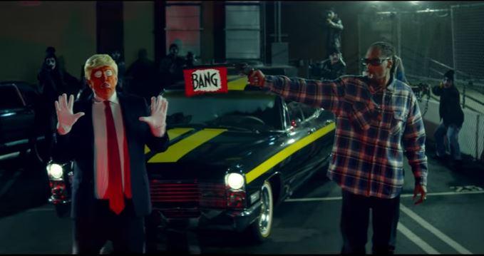 Video de Snoop Dogg donde dispara contra Trump vestido de payaso (YouTube)