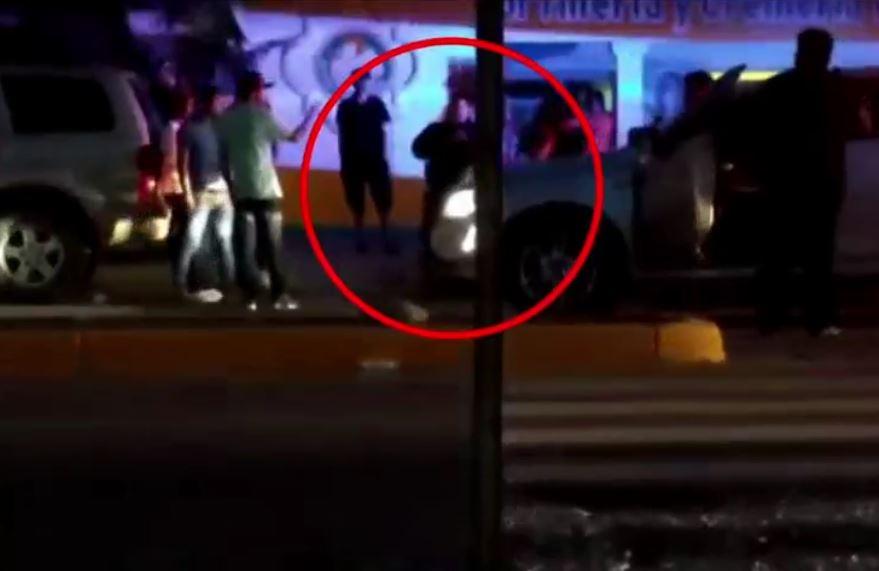 Un juez determinó que no hubo suficientes pruebas para detener a los policías acusados de entregar a un grupo de jóvenes a personas armadas (Noticieros Televisa)