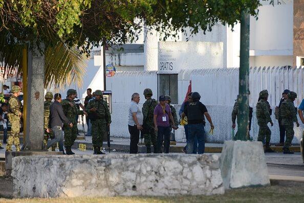 La madrugada del martes y transcurso del día se registraron dos ataques que dejaron saldo de un policía municipal muerto y tres lesionados. (Getty Images, archivo)