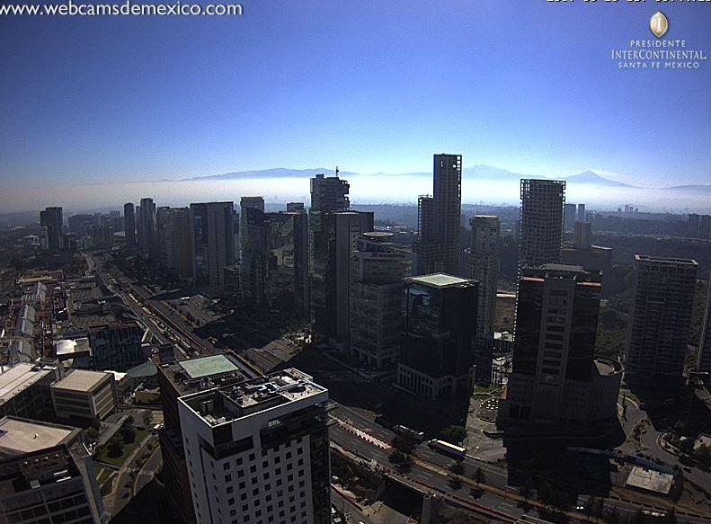 Vista panorámica de la CDMX este lunes 20 de marzo (Twitter @webcamsdemexico)
