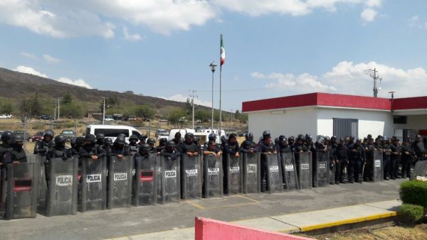 Reportan dos heridos tras riña dentro del penal de Zamora en Michoacán
