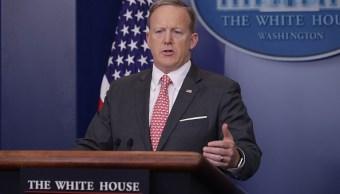 El secretario de prensa de la Casa Blanca, Sean Spicer, responde a las preguntas de los periodistas durante la rueda de prensa diaria en Washington, DC. (Getty Images)