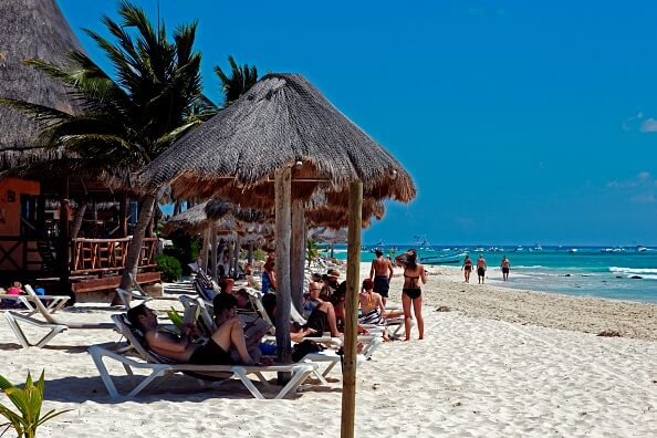 Turistas en playas de Quintana Roo. (Getty Images, archivo)
