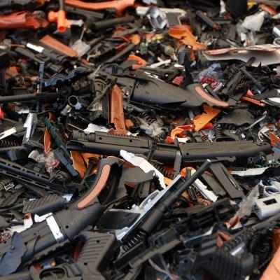 La mitad de los delitos en la CDMX se cometen con réplicas de armas