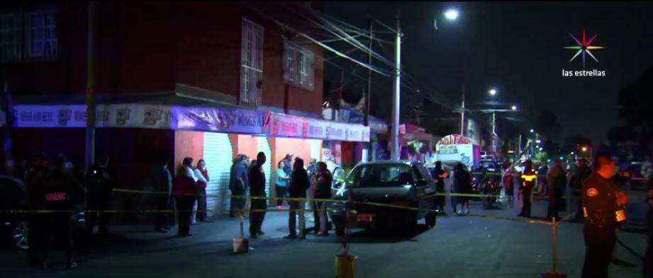 Asesinan a tres personas en Iztapalapa. (Noticieros Televisa)