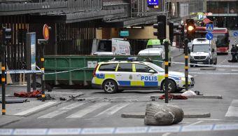 """Según el diario """"Aftonbladet"""", el sospechoso es un hombre de 39 años, de origen uzbeco, cuyas facciones se asemejan a las de las imágenes difundidas antes por la Policía y quien mostró simpatía por el Estado Islámico en redes sociales. (EFE)"""
