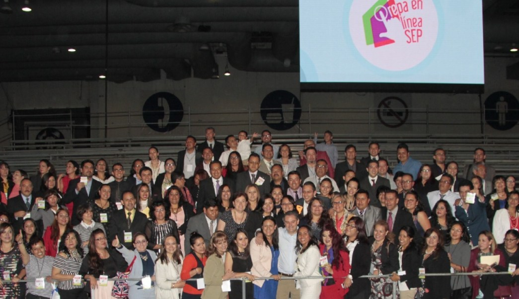 El secretario de Educación Pública, Aurelio Nuño, asistió a la ceremonia de graduación de la primera generación del programa Prepa en Línea. (SEP)