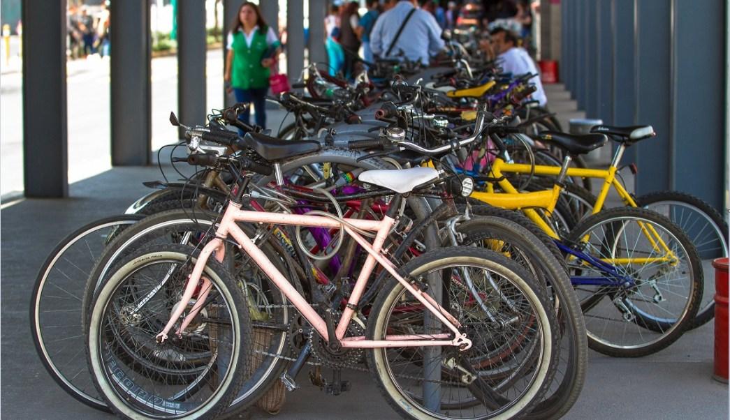Bicicletas estacionadas; en la Ciudad de México se realizarán cuatro rodadas a partir del miércoles 19 para conmemorar la invención de este medio de transporte (NTX)