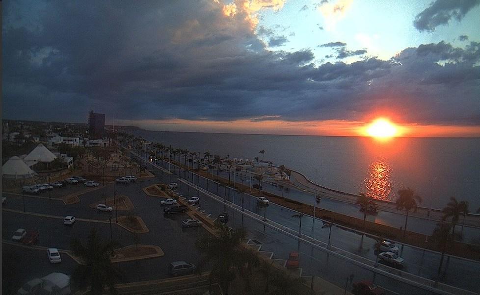 En Campeche, se resiente una intensa ola de calor. (Twitter @webcamsdemexico, archivo)