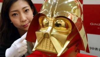 La joyería japonesa Tanaka Kikinzoku muestra una máscara de oro puro de Darth Vader (Foto: metro.co.uk)