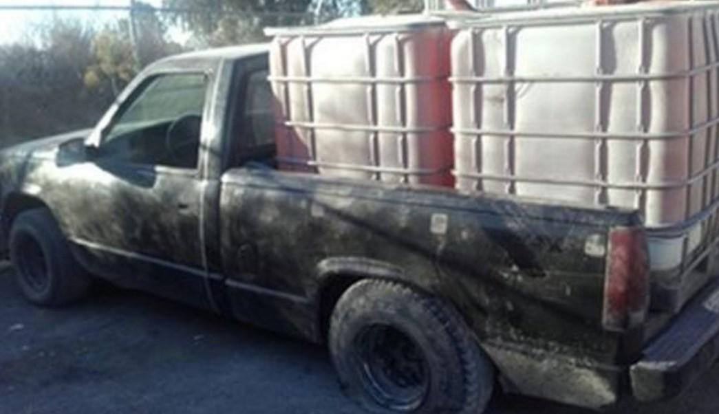 Elementos de la SSP en Puebla aseguraron ocho mil 300 litros de hidrocarburo y 11 camionetas. (Twitter: @SSP_Puebla)