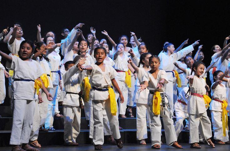 Coro Voces en Movimiento se presenta en el Centro Nacional de las Artes