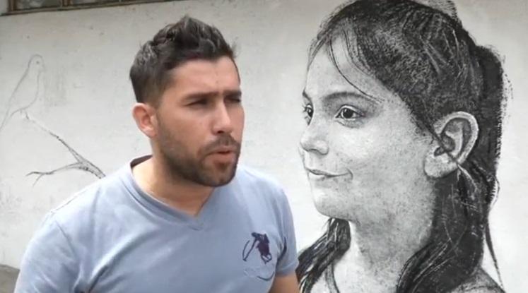 Maisel López se gana la vida enseñando clases de arte y vendiendo retratos (Reuters)