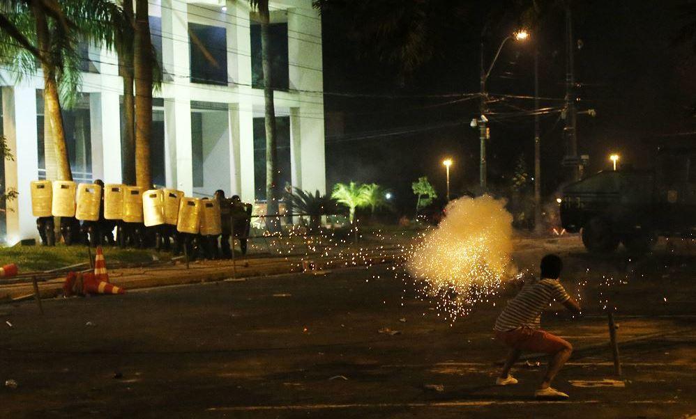 Disturbios en Paraguay contra reelección presidencial. (AP)