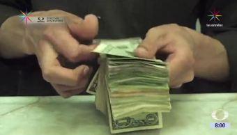 Autoridades financieras agilizarán la apertura de cuentas bancarias en México desde Estados Unidos, para que connacionales protejan su patrimonio. (Noticieros Televisa)