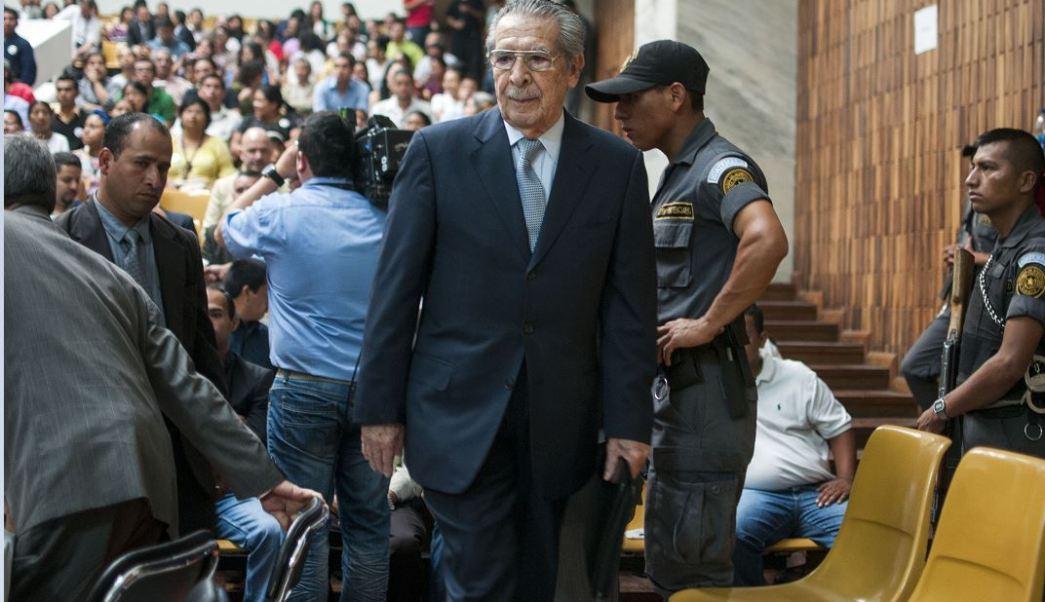 El exdictador guatemalteco, Efraín Ríos Montt, enfrentará un nuevo juicio por genocidio, esta vez por la matanza de 162 personas, entre ellas varias decenas de niños, en la comunidad indígena Dos Erres, en diciembre de 1982. (AP, archivo)