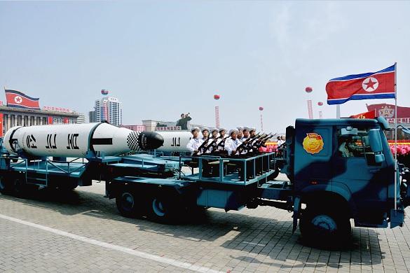 El ejército Norcoreano mostró durante un desfile sus misiles intercontinentales.