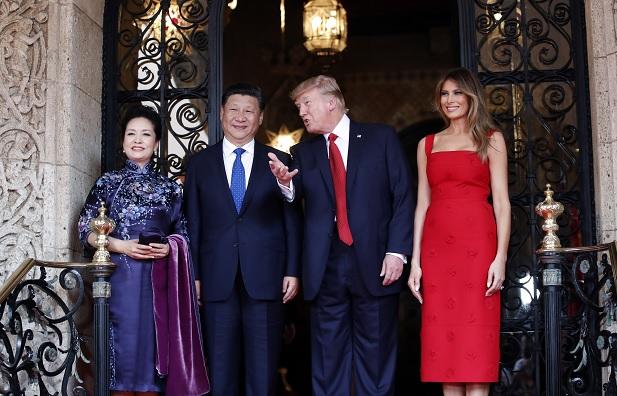 El mandatario chino, Xi Jinping, se reúne con su homólogo de Estados Unidos, Donald Trump, en Mar-a-Lago.
