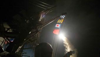 Unos 60 misiles Tomahawk de Estados Unidos golpearon la base aérea de Shayrat. (AP)