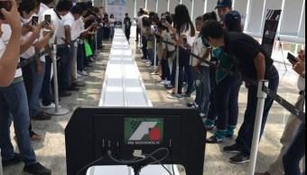 Los equipos participantes simulan los procesos por los que tiene que pasar una escudería de la Formula 1 en la vida real. (Facebook F1 in schools Mexico)