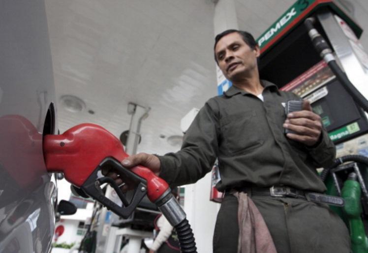 Gasolina premium llega a$20 en Cdmx