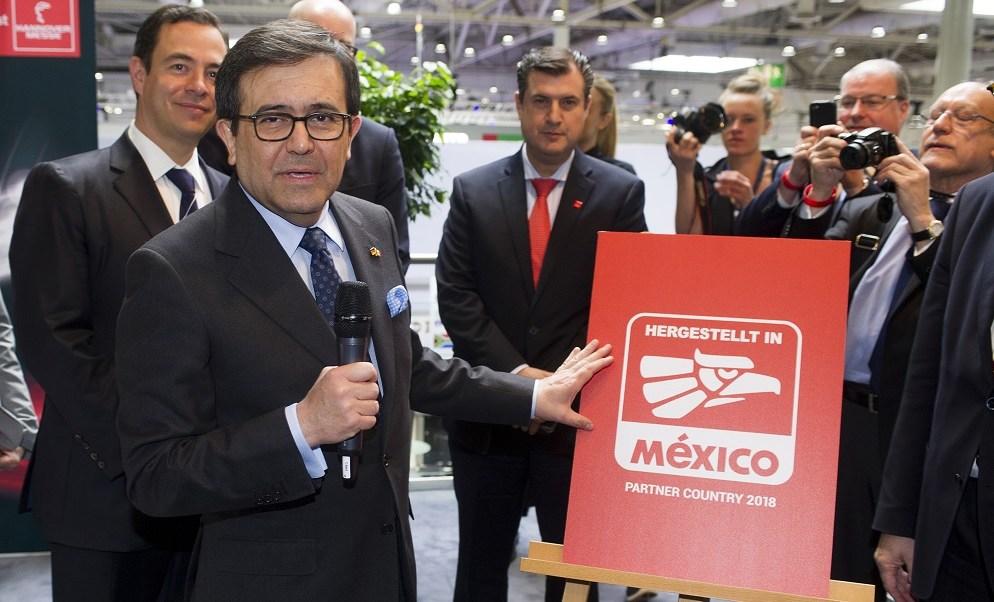 El secretario de Economía, Ildefonso Guajardo, en Hannover, Alemania. (Notimex)