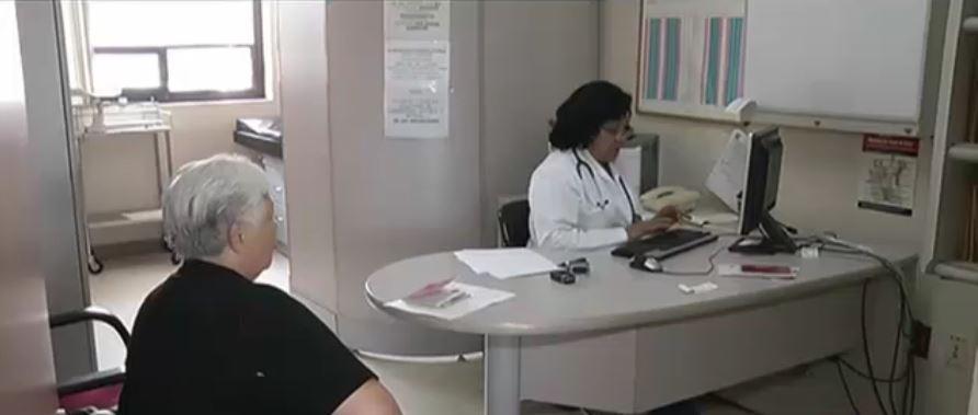 IMSS incluye medicamentos de la Hepatitis C en cuadro básico. (Noticieros Televisa)