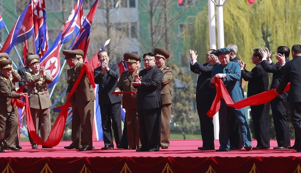 Kim Jong-un inaugura barrio de rascacielos en Pyongyang, Corea del Norte. (EFE)