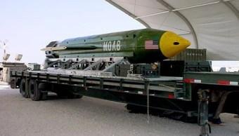 'La madre de todas las Bombas' pesa alrededor de 9 mil 800 kilos y esta es la primera ocasión que se utiliza en combate.