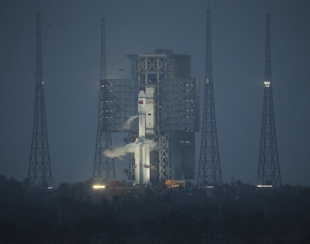 El carguero espacial chino quot;Tianzhou 1quot; despega hacia la órbita terrestre