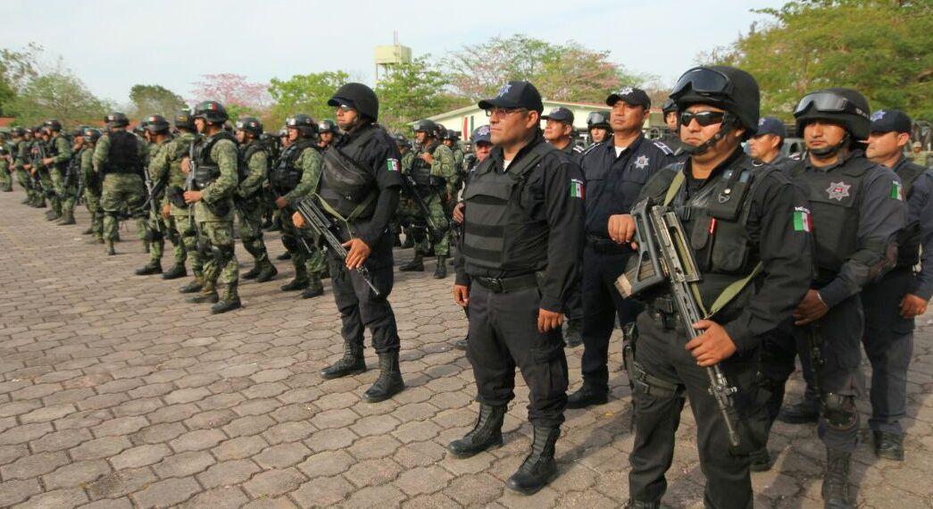 Legan 600 elementos del Ejército a Benito Juárez, Cancún, en Quintana Roo. (Twitter @rembertoestrada)